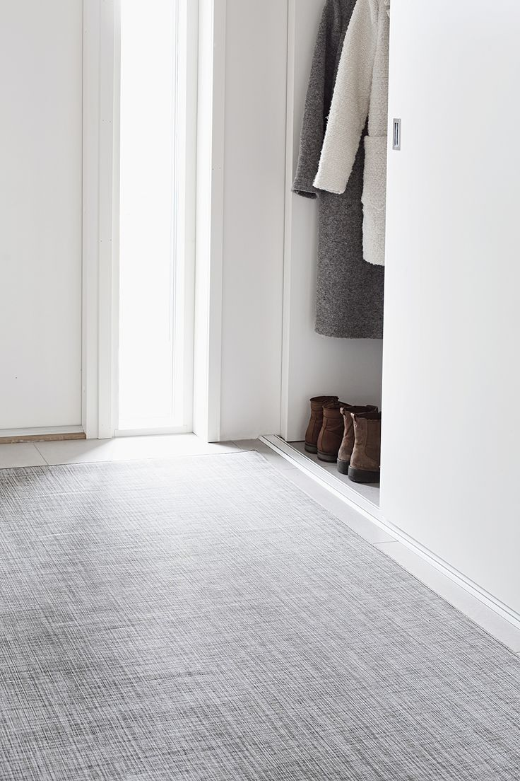 Ropina durable vinyl carpet. Easy use!