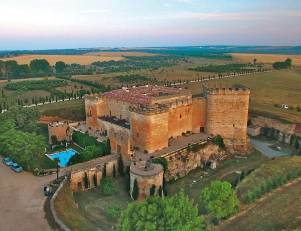 Castillo del Buen Amor. Villanueva de Cañedo (Salamanca)