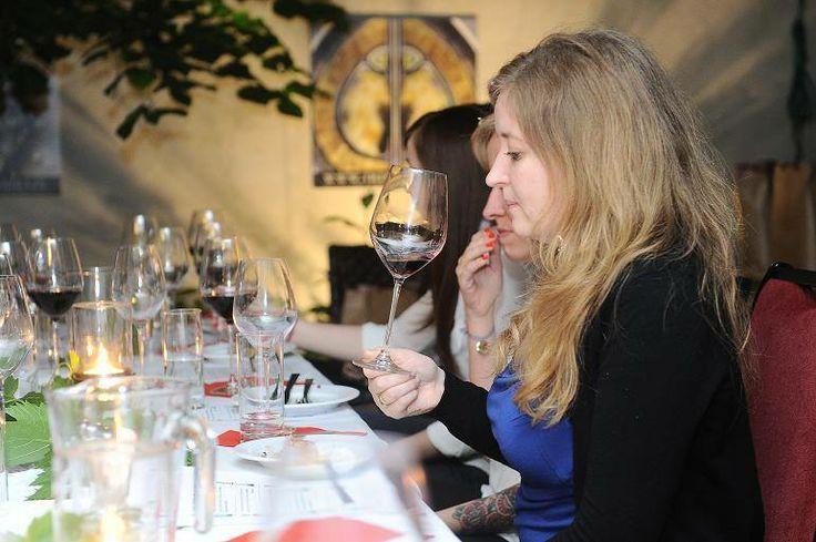 Wierzymy, że od tej kolacji picie wina będzie miało jeszcze głębszy wymiar #mezzek #wine #event #wino #mezzekmoments