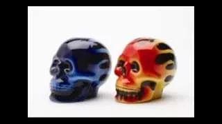 skullsalt and pepper shakers - YouTube