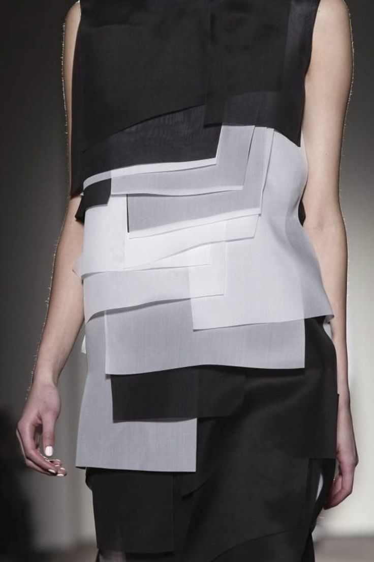 Gabriele Colangelo Ready To Wear Fall Winter 2014 Milan. Geometric shapes layered on top of each other.
