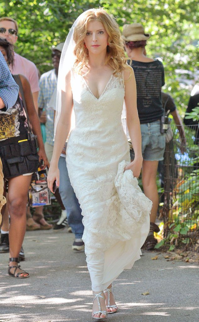 Looking gorgeous in a wedding dress, Anna Kendrick films scenes for The Last 5 Years in Central Park. http://www.eonline.com/photos/6/the-big-picture-today-s-hot-pics/297917