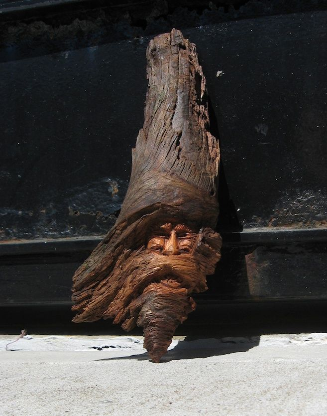 Wood carving pine knot spirit sculpture by schpoingle