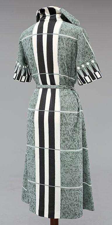 Picture 2 - 328756. KLÄNNINGAR, 3 st, Maud Fredin Fredholm, 1900-talets andra hälft. – Bukowskis Market