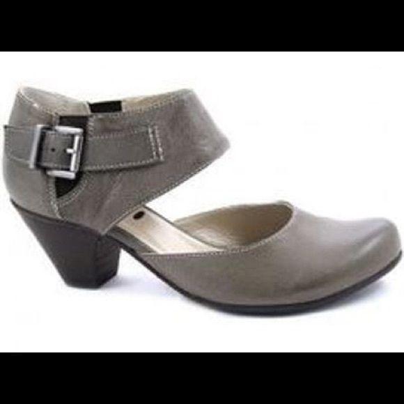 Fidji Leather Buckle Up Pump Mary Jane Heels