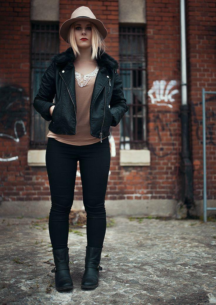 Fashion, Black, Jacket, Inspiration, Trend. Autumn, Sexy, Christina Key, berlin, Hair, Blonde, Red, Lips, Christina Key's Blog