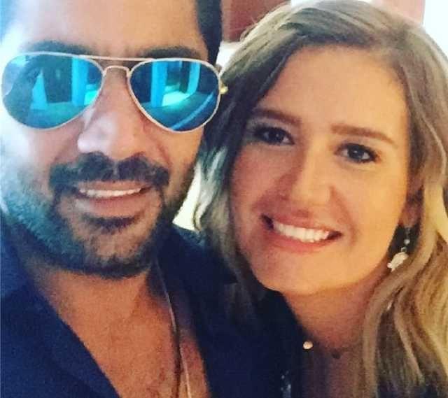 أحمد فلوكس يجمع بين زوجته هنا وطليقته على انستقرام Mirrored Sunglasses Mens Sunglasses Mirrored Sunglasses Men