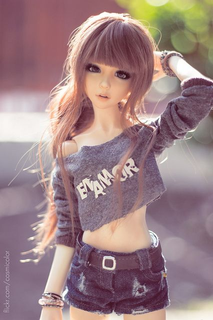 She might be a doll but she's perfect!!!  Want her everything. Hair, face, outfit, body~