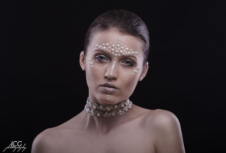 Pure like White Pearls  Fashion Girl #pearl #nikon #gorgeous #nikon #bucharest #beauty #photography #edit #editorial #vogue #makeupartist #follow4follow #eyes #brushes #hairstyle