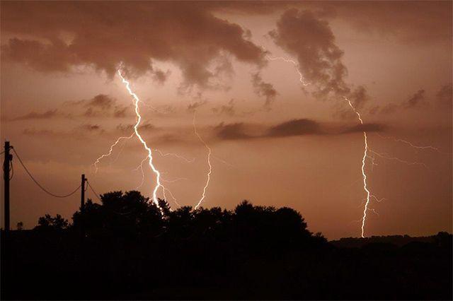 Fotostrecken - Wetter Bilder und Fotos - WetterOnline Gewitternacht in Leipzig und Umgebung. Bildquelle: Torsten Brehme