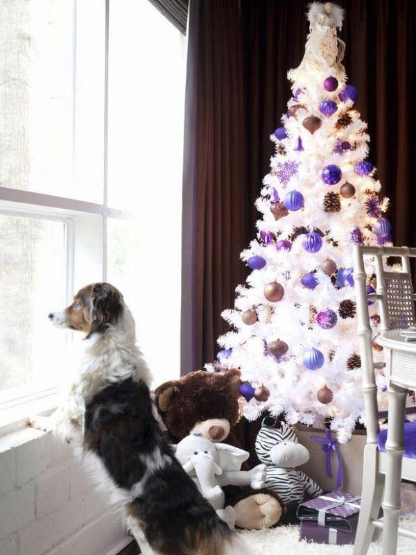 Bordeaux Vorhang Weiß-kunstbaum WeihnachtsKugeln Violett-Blau decordaemon