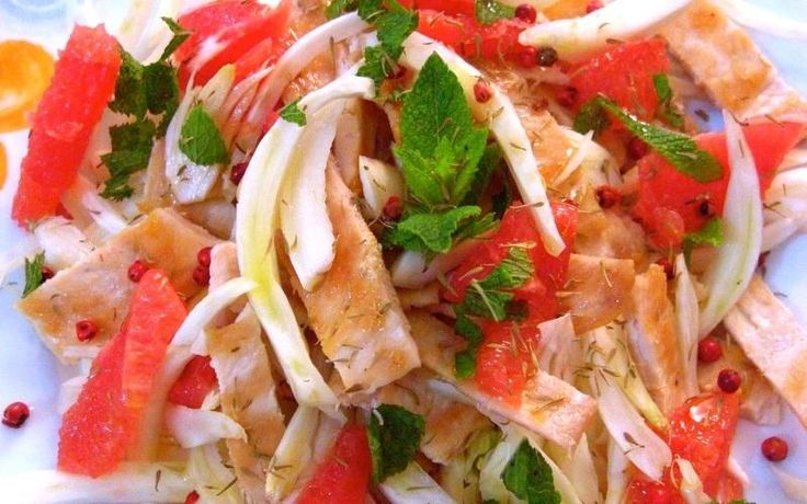 Opentaste - Fresh chicken salad with fennel pink grapefruit and mint