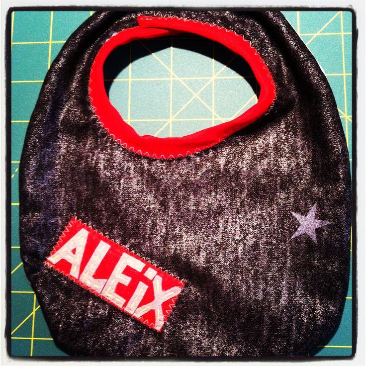 Aleix's bib