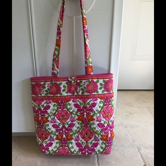 ‼️Price Firm‼️ Vera Bradley tote bag Excellent condition. One small stain shown in picture. / no trades, Vera Bradley Bags Totes