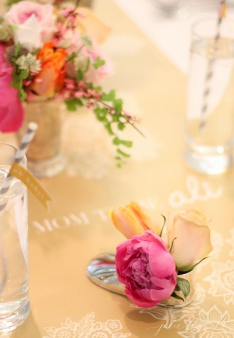 Beautiful shower ideas including easy to make flower arrangements, ways to personalize and how to host at a restaurant