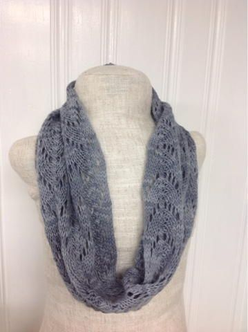 Dove Gray Cowl Pattern | This cowl knitting pattern makes a perfect light summer cowl.