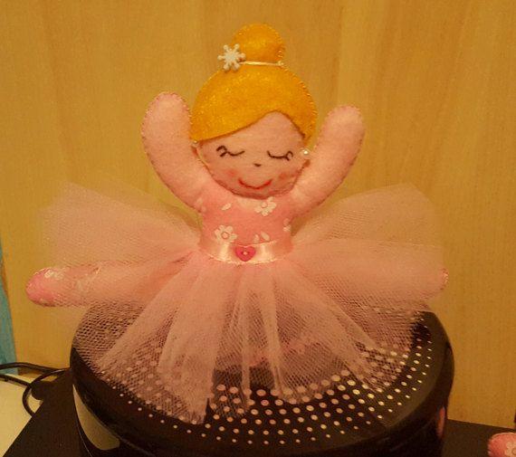 Guarda questo articolo nel mio negozio Etsy https://www.etsy.com/it/listing/495064364/bambola-ballerina-in-rosa