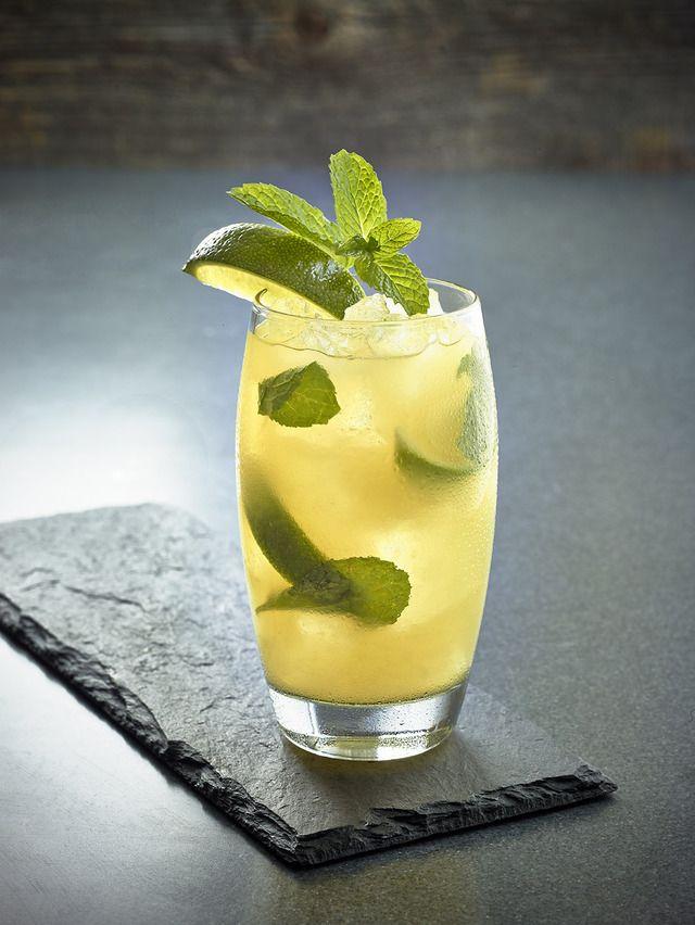 Proporcje na 1 szklankę Nadchodzi gorące lato to może jakiś przepis na chłodzący napój w upalne dni. Takim napojem jest Mango Mojito który pochodzi z Karaibów ale jako drink z alkoholem, ja przedst…