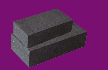 The types of magnesia chrome brick material  Magnesia chrome brick types Production of magnesia chrome brick with raw materials are: natural raw materials, synthetic raw materials and industrial chromium oxide and industrial alumina and other natural raw materials :. Such as various grades of sintered magnesia, ordinary chrome ore and low impurity content of chromium concentrate......  http://www.ruizhirefractory.com/en/product/magnesia-chrome-brick.html Email: sales@ruizhirefractory.com