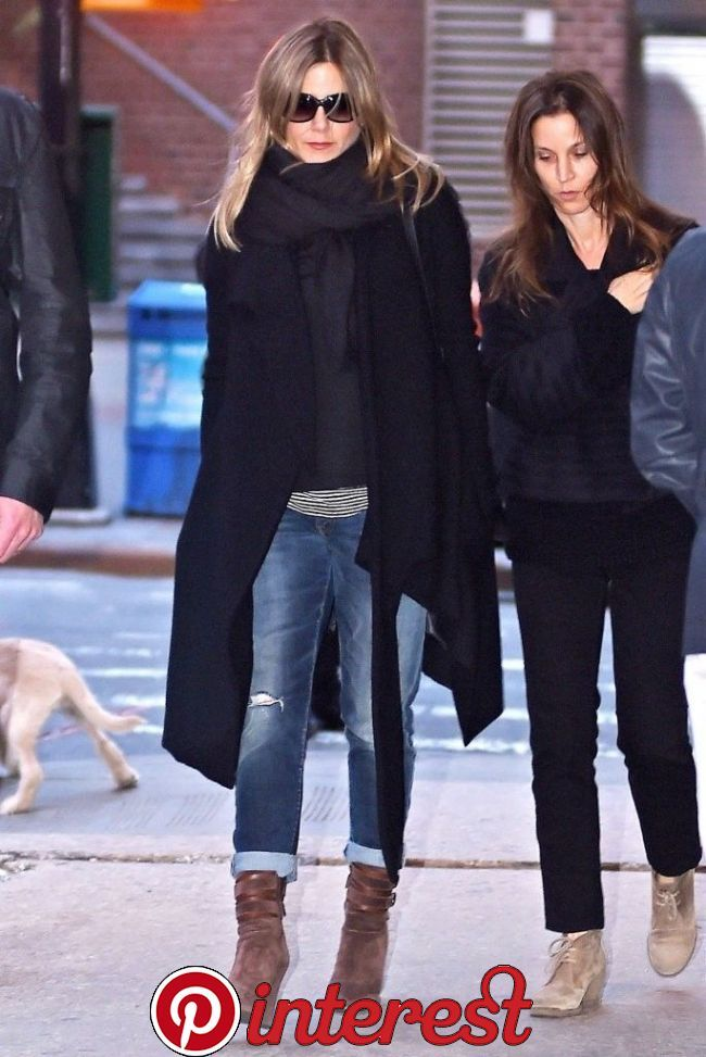 Jennifer Aniston Ripped Jeans in 2020 | Fashion, Autumn fashion, Casual winter outfits   Jennifer Aniston Ripped Jeans in 2020 | Fashion, Autumn fashion, Casual winter outfits