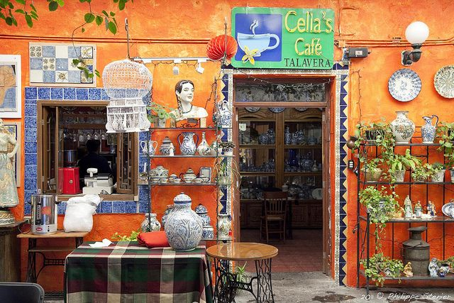 chillypepperhothothot:  Cella's Café - Puebla, Mexico by Pipall on Flickr.