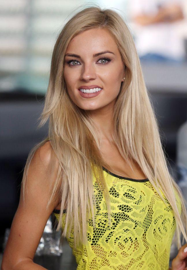 Ο ξανθός «άγγελος» Τζούλια Νόβα | Newsbeast