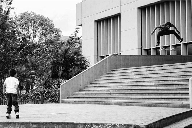 Fabian Velandia nollie heelflip Bogotá Colombia.
