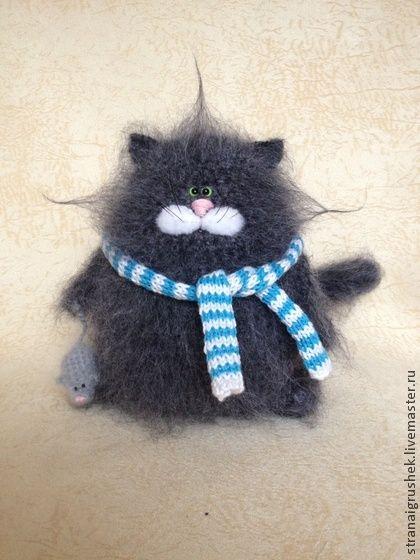 Котофей с мышкой. - серый,кот,коты и кошки,вязаная игрушка,вязаный кот