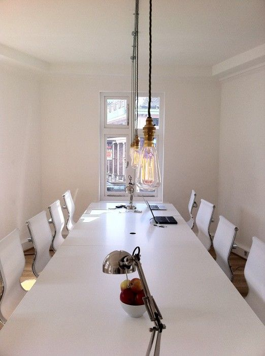 The Soho Collective http://coworkingdesign.com/europe/uk/the-soho-collective-london/