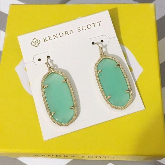 Kendra Scott Jewelry - Kendra Scott Elle Earrings