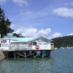 An absolute must on your trip to the Cape! One of the most iconic fish and chip shops in NZ