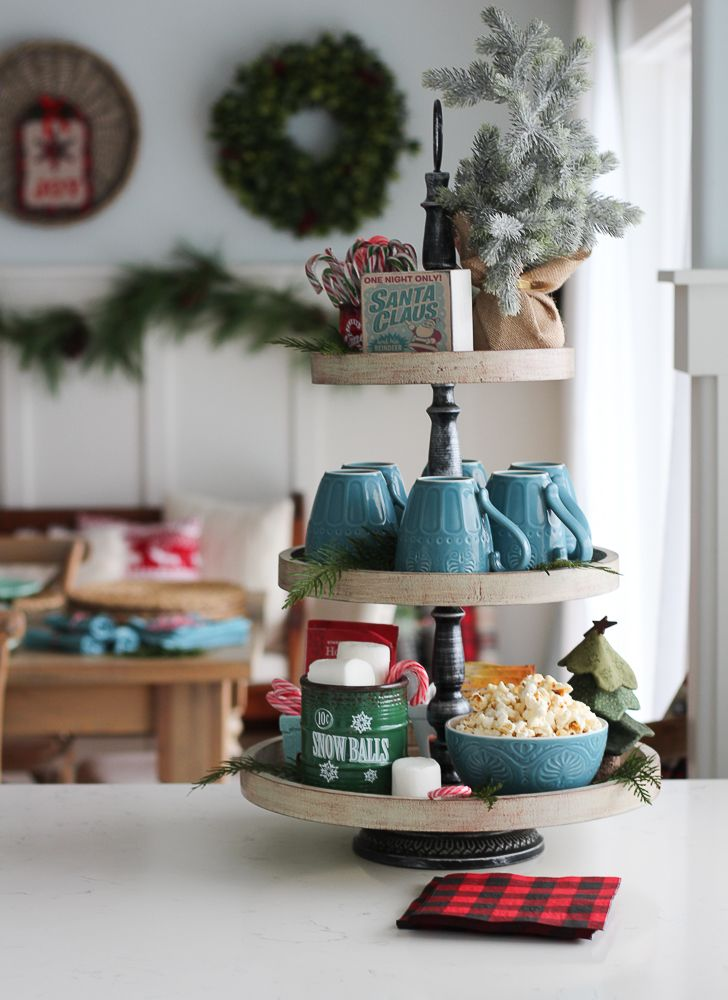 classic-christmas-kitchen-and-christmas-dining-room-at-the-happy-housie-8