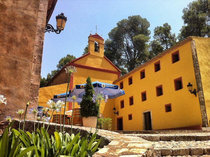 Vista exterior del Santuari de Santa Marina de Pratdip