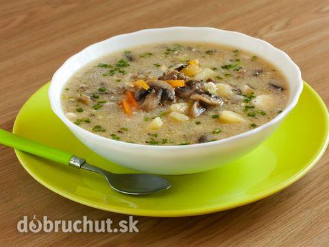 Slovenská zemiaková polievka s hubami