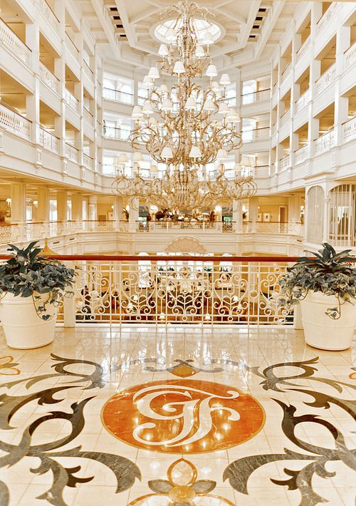 Disney`s Grand Floridian Resort Gorgeous Lobby ! <3