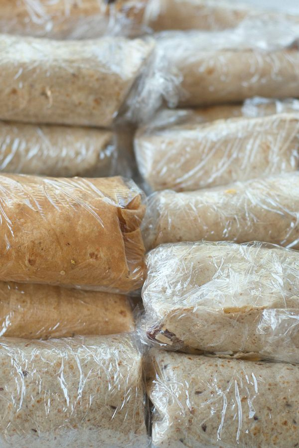 Gearing up for the week? Freezer Burrito Recipe with Chicken and Quinoa at ReluctantEntertainer.com
