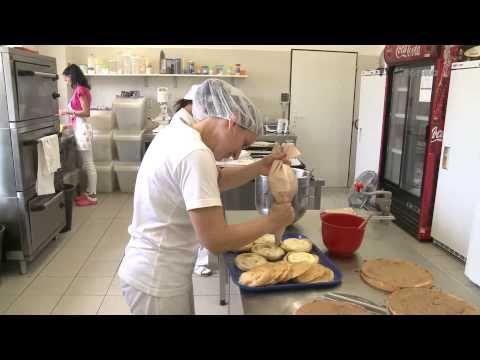 zVEDÁtor - Cukrárenská výroba - YouTube