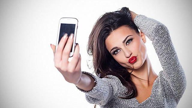 L'associazione psichiatrica americana ha riconosciuto la dipendenza da autofotoritratto attraverso il cellulare (selfie) come disturbo mentale...