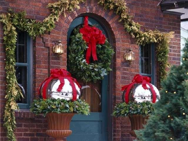 Oltre 25 fantastiche idee su decorazioni natalizie da - Ghirlande per porte natalizie ...