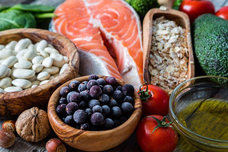 Når du vil tabe sig, så handler det grundlæggende om, hvor mange kalorier du spiser i forhold til, hvor mange du forbrænder. Derfor skal du passe på med disse ellers sunde fødevarer.