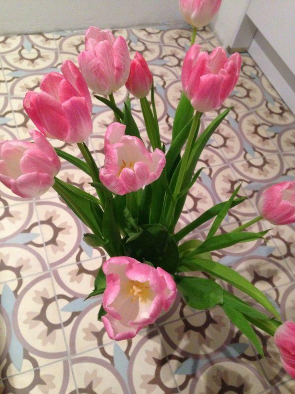 Stuur je originele tulpenfoto op naar Qriginals@gmail.com en maak kans op een uniek Droomlicht!