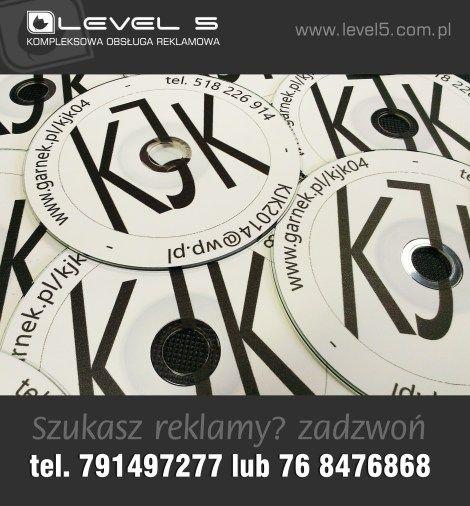 Nadruk monochrokmatyczny, niskonakładowy na płytach DVD.