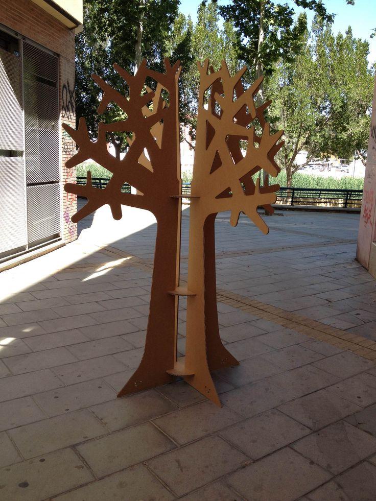 Cardboard tree by cartonlab. More info here http://cartonlab.com/producto/arbol-de-carton/ #cardboardtree #arboldecarton