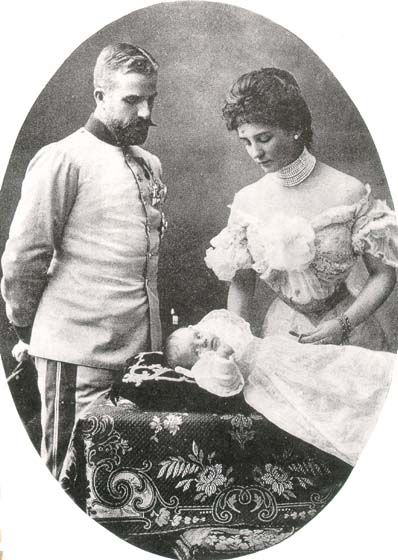 Mathilde, Princess of Bavaria (1877-1906) with her husband Ludwig of Saxe (1870-1942) and their son Antonius (1901-1970)