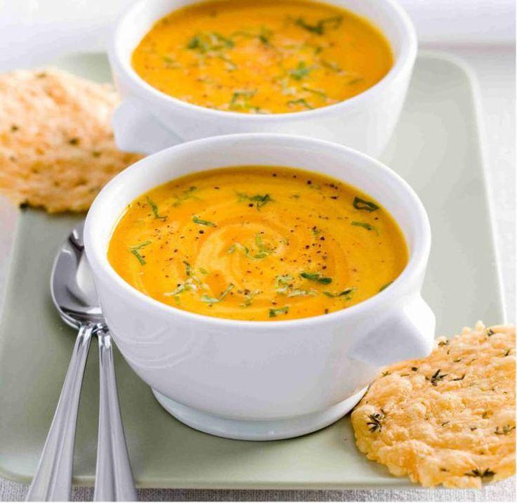Gele paprika is een super gezonde groente die heerlijk is in bijvoorbeeld een soep. En met dit makkelijke en snelle soep recept ben je zo klaar om te eten.