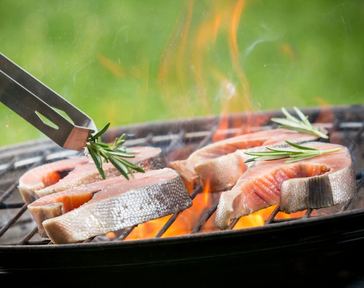 I also really like to grill seafood and burgers on natural gas grills. Some of my favourite seasonings included bone suckin sauce, Arthur Bryant's Orginial BBQ Sauce and Pappy's Choice Seasoning. http://www.allforbbq.com/