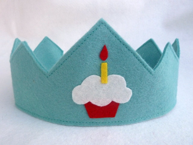 Birthday Crown - would be cute to sew on another candle each year.
