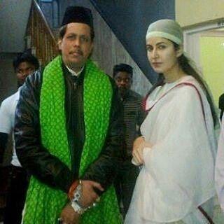 Katrina Kaif spotted at the Ajmer Shariff dargah where she went to pray for the success of her movie. @INSTABOLLYWOOD   . . #instabollywood #bollywood #india #indian #desi #bollywoodactress #mumbai #bollywoodfashion #bollywoodstyle #bollywoodmovie #katrinakaif #fitoor #ibfitoor #delhi #noida #gurgaon #chandigarh #hyderabad #surat #pune #bangalore #kolkata #chennai #cochin #ahmedabad #rajkot #indore #ajmersharif