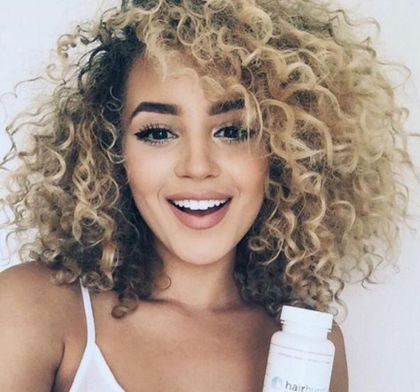 Saçınızın bakımına gelinceye kadar hiç bir herhangi bir rutin uygulama yoktur ve bu özellikle doğal bukleli kıvırcık saçlı kızlar için geçerlidir. Sizde boyadan ve ısılı saç şeki