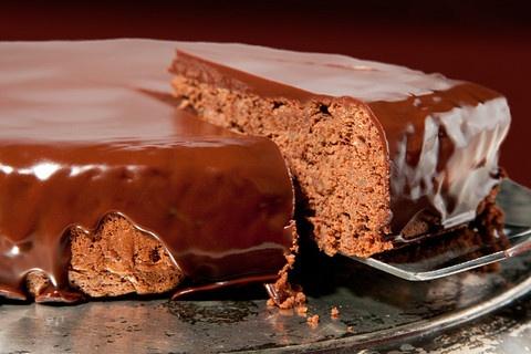 Hungarian Chocolate-Walnut Torte: Chocolates Cakes, Chocolatewalnut Torte, Hungarian Chocolatewalnut, Chocolates Walnut Torte, Hungarian Chocolates Walnut, Cakes Recipe, Chocolate Walnut Torte, Hungarian Recipe, Torte Recipe
